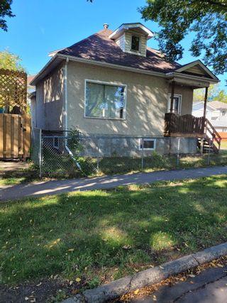 Photo 2: 10868 92 Street in Edmonton: Zone 13 House for sale : MLS®# E4262257