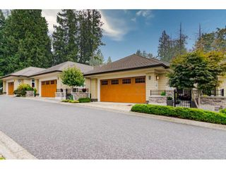 """Photo 3: 108 21707 88TH Avenue in Langley: Walnut Grove Townhouse for sale in """"Woodcroft"""" : MLS®# R2497274"""