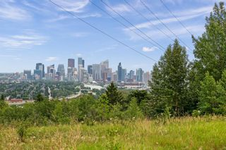 Main Photo: 2 504 Cedar Crescent SW in Calgary: Spruce Cliff Apartment for sale : MLS®# A1127875