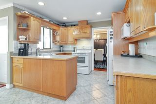 Photo 7: 26816 27 Avenue in Langley: Aldergrove Langley House for sale : MLS®# R2581115