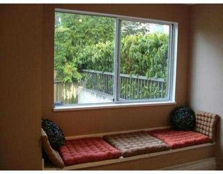 "Photo 3: 110 809 W 16TH ST in North Vancouver: Hamilton Condo for sale in ""PANORAMA COURT"" : MLS®# V552557"