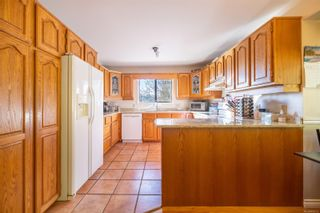 Photo 7: 4798 Amblewood Dr in : SE Broadmead House for sale (Saanich East)  : MLS®# 865533