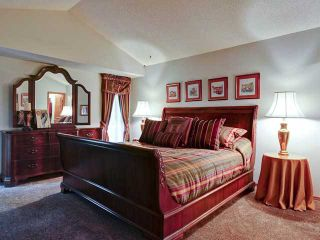 Photo 12: 112 OAKBRIAR Close SW in CALGARY: Palliser Townhouse for sale (Calgary)  : MLS®# C3576758