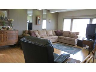 Photo 3: 8 Silverdale Crescent in WINNIPEG: St Vital Residential for sale (South East Winnipeg)  : MLS®# 1207739
