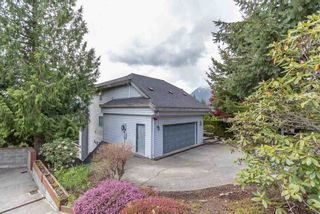 Photo 4: 1003 TOBERMORY Way in Squamish: Garibaldi Highlands House for sale : MLS®# R2572074