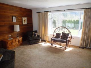 Photo 9: 59631 NASH Road in Laidlaw: Hope Laidlaw House for sale (Hope)  : MLS®# R2354766