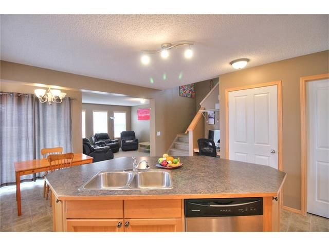 Photo 13: Photos: 304 EVERSYDE Circle SW in Calgary: Evergreen House for sale : MLS®# C4035934