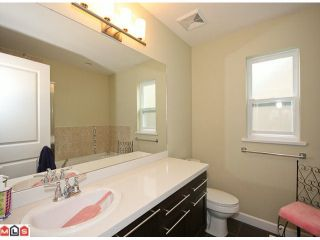"""Photo 7: 6760 193B Street in Surrey: Clayton House for sale in """"GRAMERCY PARK"""" (Cloverdale)  : MLS®# F1017960"""