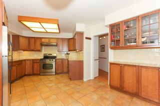 """Photo 7: 6882 YEOVIL Place in Burnaby: Montecito House for sale in """"Montecito"""" (Burnaby North)  : MLS®# V1119163"""