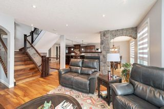 Photo 5: 1602 9 Street NW in Calgary: Rosedale Detached for sale : MLS®# A1085360