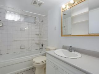 """Photo 17: 1203 555 W 28TH Street in North Vancouver: Upper Lonsdale Townhouse for sale in """"CEDAR BROOK VILLAGE"""" : MLS®# R2324026"""