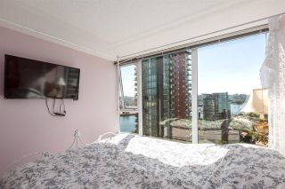 """Photo 13: 1805 33 SMITHE Street in Vancouver: Yaletown Condo for sale in """"COOPERS LOOKOUT"""" (Vancouver West)  : MLS®# R2205849"""