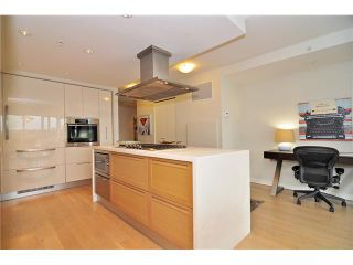 """Photo 11: 1603 8 SMITHE Mews in Vancouver: False Creek Condo for sale in """"Flagship"""" (Vancouver West)  : MLS®# V1064248"""