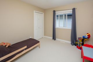"""Photo 19: 7038 181B Street in Surrey: Cloverdale BC House for sale in """"Cloverdale"""" (Cloverdale)  : MLS®# R2574899"""