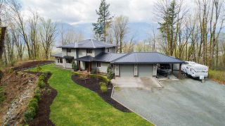 Photo 10: 43207 SALMONBERRY Drive in Chilliwack: Chilliwack Mountain House for sale : MLS®# R2529009