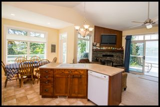 Photo 33: 3513 Eagle Bay Road in Eagle Bay: Waterfront House for sale : MLS®# 10100248