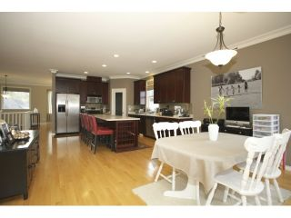 """Photo 8: 35415 NAKISKA Court in Abbotsford: Abbotsford East House for sale in """"Sandy Hill"""" : MLS®# R2011952"""