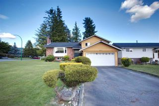 Photo 2: 2022 PAULUS Crescent in Burnaby: Montecito House for sale (Burnaby North)  : MLS®# R2590860