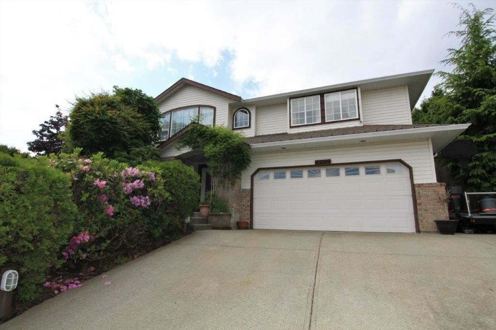 Main Photo: 8269 WHARTON PLACE in Mission: Mission BC House for sale : MLS®# R2372117