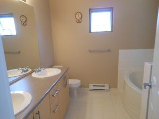 """Photo 8: 93 15152 62A Avenue in Surrey: Sullivan Station Townhouse for sale in """"The Uplands"""" : MLS®# F1415808"""
