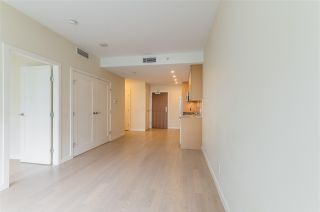 """Photo 7: 318 38 W 1ST Avenue in Vancouver: False Creek Condo for sale in """"THE ONE"""" (Vancouver West)  : MLS®# R2576246"""