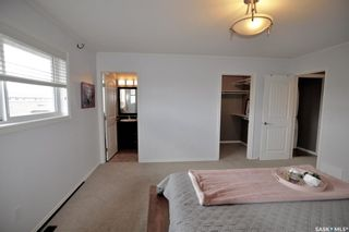 Photo 11: 1012 Willowgrove Crescent in Saskatoon: Willowgrove Residential for sale : MLS®# SK874149