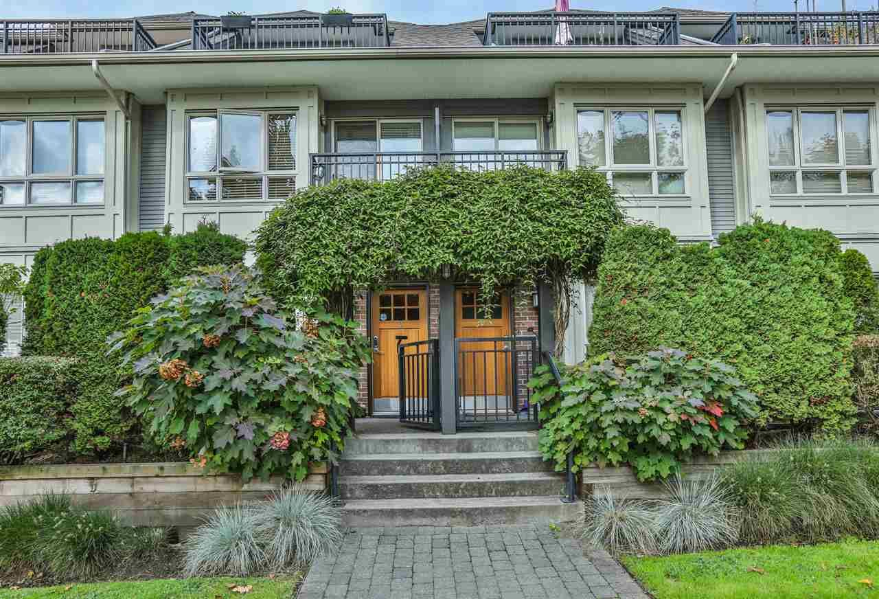 Main Photo: 4 4055 PENDER Street in Burnaby: Willingdon Heights Townhouse for sale (Burnaby North)  : MLS®# R2113879