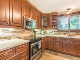 Photo 4: 3021 Crestwood Pl in : Na Departure Bay House for sale (Nanaimo)  : MLS®# 881358