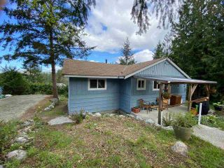 Photo 3: 5193 SUMMIT Road in Madeira Park: Pender Harbour Egmont House for sale (Sunshine Coast)  : MLS®# R2575992
