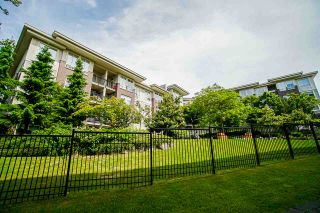Photo 33: 401 13555 GATEWAY Drive in Surrey: Whalley Condo for sale (North Surrey)  : MLS®# R2528639
