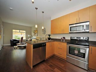 Photo 2: 116 21 Conard St in View Royal: VR Hospital Condo for sale : MLS®# 587920