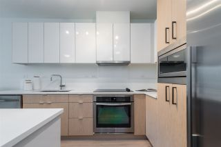 """Photo 6: 105 1621 HAMILTON Avenue in North Vancouver: Mosquito Creek Condo for sale in """"Heywood on the Park"""" : MLS®# R2393282"""