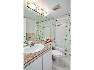 """Photo 9: 1603 1189 HOWE Street in Vancouver: Downtown VW Condo for sale in """"GENESIS"""" (Vancouver West)  : MLS®# V1065396"""