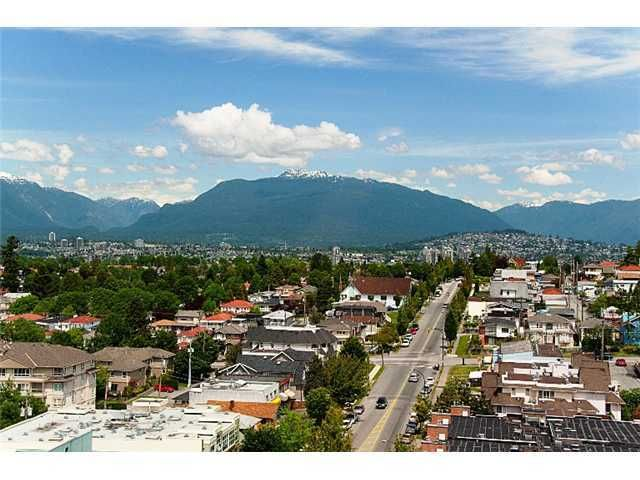 """Main Photo: 905 3438 VANNESS Avenue in Vancouver: Collingwood VE Condo for sale in """"CENTRO"""" (Vancouver East)  : MLS®# V841006"""
