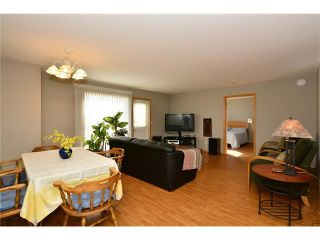 Photo 11: 6639 Pinecliff Grove NE in Calgary: Pineridge House for sale : MLS®# C4107612
