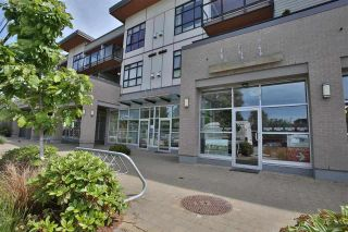 Photo 2: 307 5682 WHARF Avenue in Sechelt: Sechelt District Condo for sale (Sunshine Coast)  : MLS®# R2557264