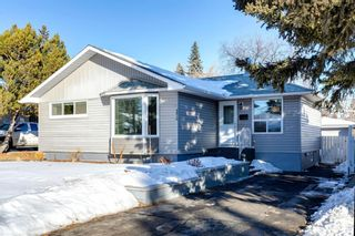 Photo 1: 4816 30 Avenue SW in Calgary: Glenbrook Detached for sale : MLS®# A1072909