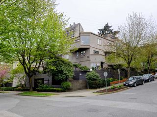 Photo 1: 42 870 W 7TH Avenue in Vancouver: Fairview VW Townhouse for sale (Vancouver West)  : MLS®# R2162016