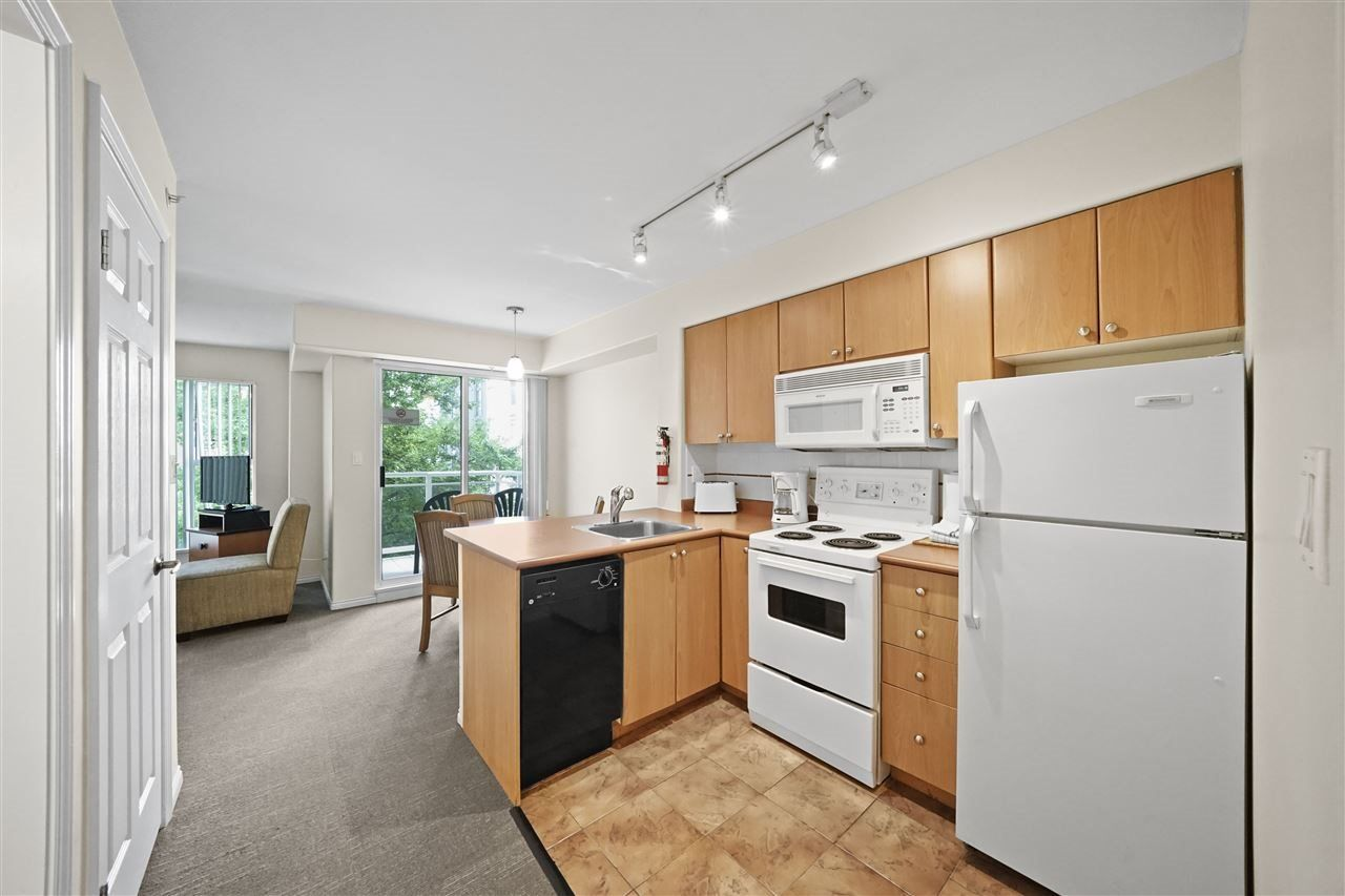 """Photo 7: Photos: 405 910 BEACH Avenue in Vancouver: Yaletown Condo for sale in """"MERIDIAN"""" (Vancouver West)  : MLS®# R2534010"""