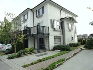 """Photo 6: 7348 192A Street in """"KNOLL"""": Home for sale"""