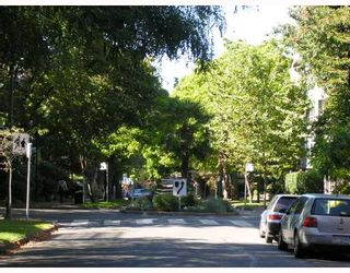 """Photo 9: 308 1655 NELSON Street in Vancouver: West End VW Condo for sale in """"HEMPSTEAD MANOR"""" (Vancouver West)  : MLS®# V669413"""