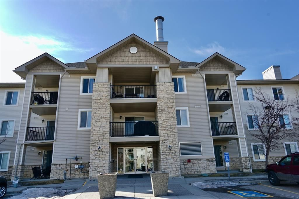 Main Photo: 1205 2371 Eversyde Avenue SW in Calgary: Evergreen Apartment for sale : MLS®# A1089285