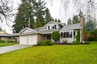 """Photo 1: 2002 127A Street in Surrey: Crescent Bch Ocean Pk. House for sale in """"Ocean Park"""" (South Surrey White Rock)  : MLS®# R2145477"""