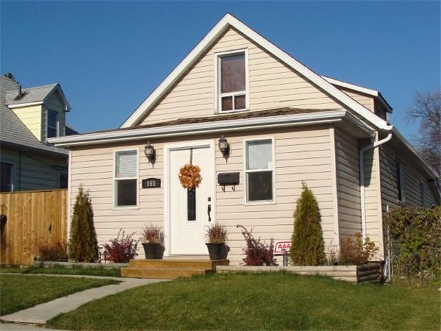 Main Photo: 165 KINGSBURY Avenue in WINNIPEG: West Kildonan / Garden City Residential for sale (North West Winnipeg)  : MLS®# 1021719