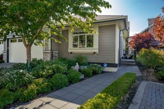 """Photo 2: 58 350 174 Street in Surrey: Pacific Douglas Townhouse for sale in """"The Greens"""" (South Surrey White Rock)  : MLS®# R2399792"""