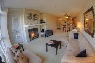"""Photo 3: 312 3142 ST JOHNS Street in Port Moody: Port Moody Centre Condo for sale in """"SONRISA"""" : MLS®# R2245500"""