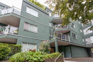 """Photo 1: 203 1550 MARINER Walk in Vancouver: False Creek Condo for sale in """"Mariners Point"""" (Vancouver West)  : MLS®# R2288697"""