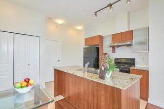 """Photo 10: 554 1432 KINGSWAY Street in Vancouver: Knight Condo for sale in """"KING EDWARD VILLAGE"""" (Vancouver East)  : MLS®# R2593597"""