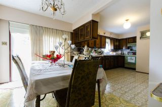 Photo 4: 2590 ADANAC Street in Vancouver: Renfrew VE House for sale (Vancouver East)  : MLS®# R2101435