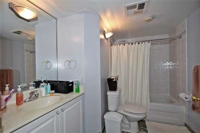 Photo 2: Photos: 808 109 E Front Street in Toronto: Moss Park Condo for lease (Toronto C08)  : MLS®# C3362918
